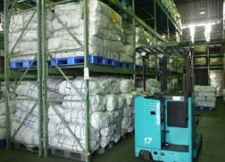 提携工場でのフレコンバッグ製造の様子