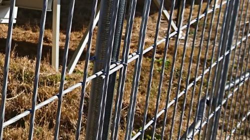 防獣用金網スクリューフェンス用 結束線 #18(100m分)